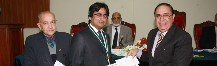 Dr. Muhammad Zafar Awarded Gold Medal by Pakistan Academy of Sciences